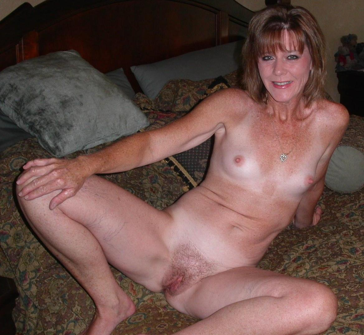 Hairy blonde lesbian pussy